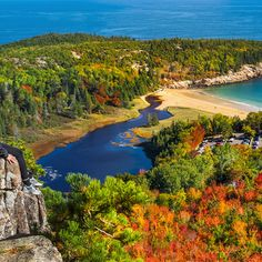 Essential Weekend Guide to Acadia National Park and Bar Harbor Maine » Carry-On Traveler Acadia National Park, National Parks, Bar Harbor Inn, New England Style, Maine, Scenery, River, Island, Explore