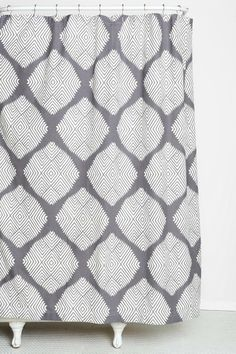 The Best Basics: Good, Cheap Shower Curtains