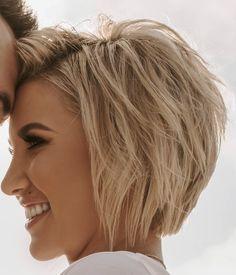 Short Hair With Layers, Short Hair Cuts, Short Hair Styles, Short Choppy Hair, Bob Hairstyles For Fine Hair, Hairstyles Haircuts, Wavy Bob Haircuts, Short Layered Haircuts, Medium Hairstyles