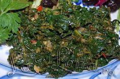Mancare de spanac cu usturoi Romanian Food, Romanian Recipes, Jamie Oliver, Seaweed Salad, Plant Based Recipes, Food To Make, Spinach, Vegetarian Recipes, Spices