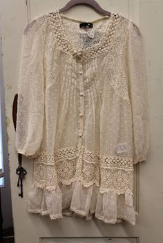 lace and shabby Gypsy Style, Bohemian Style, Boho Chic, My Style, Boho Fashion, Fashion Outfits, Fashion Tips, Romantic Outfit, Romantic Clothing