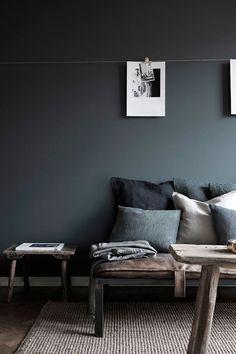 Hans Blomquist in Detail black wall