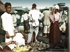 51 Old Colorized Photos Reveal The Fascinating Filipino Life Between 1900 - 1960 University Of Michigan Library, Michigan Colleges, Ohio State University, Notre Dame Football, Alabama Football, American Football, College Football, Philippines Culture, Manila Philippines