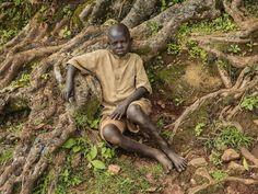 Reconnu pour ses images souvent troublantes, en particulier de son continent natal, Pieter Hugo est un photographe qui sait révéler la vérité avec passion, peu importe s'il provoque la douleur ou dérange.