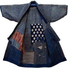 Boro – från armod till hype i japansk trastextil Japanese Textiles, Japanese Fabric, Japanese Kimono, Kimono Sewing Pattern, Indigo, Boro Stitching, Japanese Embroidery, Shibori, Japanese Outfits