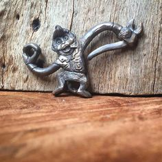 "Dante•Noli•Daweed•Samury•Donna on Instagram: ""Experiments. Barrel of monkeys custom Key hook. #barrelofmonkeys#keychain#customjewelry #biker#bikerjewelry#edc#usn#pocketdump"""