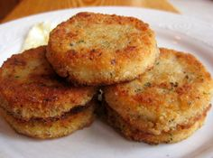 Southern Recipes Southern Fried Grit Patties for a special weekend breakfast or brunch Patties Recipe, Southern Recipes, Southern Food, Southern Style, Southern Dishes, Southern Comfort, So Little Time, Soul Food, The Best