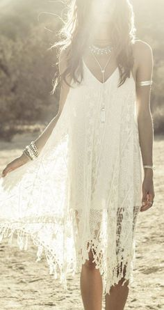 Summer Inspiration 2018 Cute Summer Dresses, Boho Summer Outfits, Stylish Summer Tops and Shorts Picture Description Crochet lace Boho chic bohemian boho style hippy hippie chic bohème vibe gypsy fashion indie folk dress Hippie Chic, Hippie Style, Style Indie, Estilo Hippie, Gypsy Style, Bohemian Style, Boho Chic, Bohemian Clothing, Bohemian Dresses