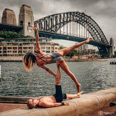 Os instrutores Claudine e Honza Lafond encontraram um hobby super legal para quando eles não estão dando aula de yoga em seu estúdio em Sydney.