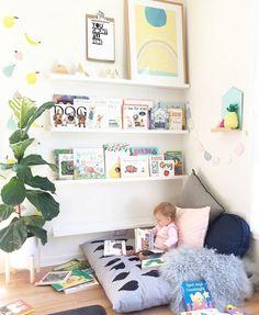 Stylish & Chic Kids Room Decorating Ideas – for Girls & Boys - DIY Kinderzimmer Ideen Kids Corner, Reading Corner Kids, Baby Corner, Reading Areas, Playroom Design, Kids Room Design, Playroom Decor, Baby Playroom, Kids Decor
