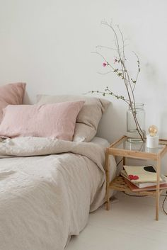 This is a Bedroom Interior Design Ideas. House is a private bedroom and is usually hidden from our guests. However, it is important to her, not only for comfort but also style. Much of our bedroom … Pastel Bedroom, Airy Bedroom, Home Bedroom, Bedroom Decor, Bedroom Ideas, Pink And Beige Bedroom, Trendy Bedroom, Bedroom Lighting, Modern Bedroom
