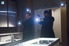 "#TheFlash 1x18 ""All Star Team Up"" - Eddie and Joe"
