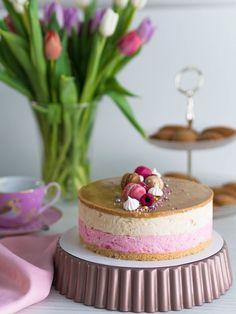 Syntymäpäiväkakkuni: Vadelma-Kinuskikakku   Annin Uunissa Cute Cakes, Yummy Cakes, Sweet Bakery, Most Delicious Recipe, Keto Recipes, Sweet Treats, Cheesecake, Food And Drink, Yummy Food