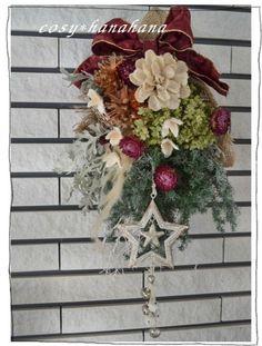 ドライフラワー中心のスワッグ(swag)です。「スワッグ」とは・・・     複数の花や葉などを長くつないだもので、     壁掛けやドア飾りとして使います。...|ハンドメイド、手作り、手仕事品の通販・販売・購入ならCreema。