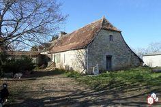 Un projet d'achat immobilier dans le Lot entre particuliers ? Découvrez cette maison et son terrain de 15 hectares à Saint-Sauveur-la-Vallée http://www.partenaire-europeen.fr/Actualites/Achat-Vente-entre-particuliers/Immobilier-maisons-a-decouvrir/Maisons-entre-particuliers-en-Midi-Pyrenees/Maison-F5-cheminee-terrain-15-hectares-dependances-ID3124155-20161124 #Maison