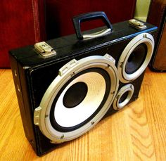 i'd like to rock up on the tube to work with one of these. boomcase