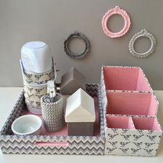Kit higiene e porta fraldas lindo!!!! Tecido @vitrine_oficial  @flaviacarvalhopinto informações e orçamentos por e-mail petitpolicrafts@gmail.com