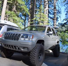 01 Jeep WJ on 33""