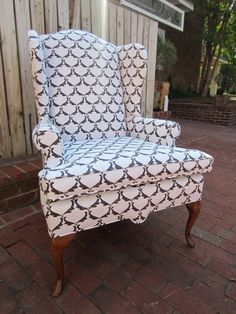 I love wing-back chairs, and this pattern is just insanely awesome. Not sure its worth the price to me tho...