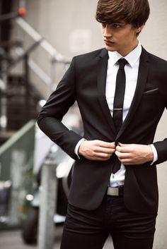 The Modern Gentleman: Photo Fashion Mode, Suit Fashion, Mens Fashion, Fashion Menswear, Style Fashion, Fashion Photo, Modern Gentleman, Gentleman Style, Dapper Gentleman