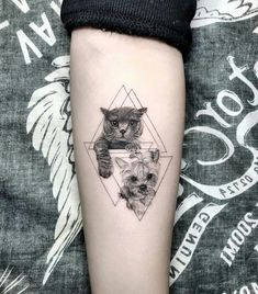 37 Cat Tattoos Designs And Ideas For Cat Lovers tattoo designs ideas männer männer ideen old school quotes sketches Trendy Tattoos, Cute Tattoos, Small Tattoos, Tattoos For Women, Cat And Dog Tattoo, Dog Tattoos, Body Art Tattoos, Tattoo Ink, Cat Tattoo Designs