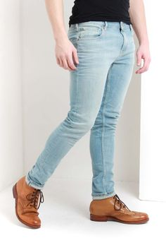The skim fit Juicy Lucy jeans from Scotch and Soda have a light wash with a zip fly and classic five pocket design. Juicy Lucy, Scotch Soda, Skinny Jeans, Denim, Clothing, Pants, Fashion, Outfits, Trouser Pants