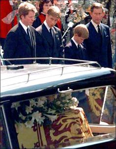Photos of Princess Diana's funeral | Princess Diana's funeral, 1997 - Royal engagement