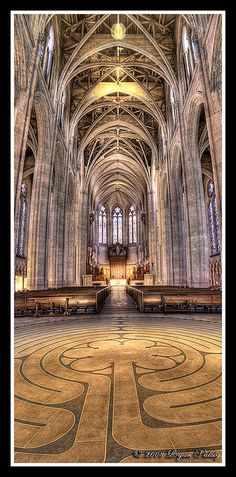 Grace Cathedral, San Francisco >><< So that's what the inside looks like. We hung out across the street all the time but could never make it in there.