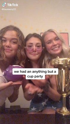 Things To Do At A Sleepover, Fun Sleepover Ideas, Crazy Things To Do With Friends, Things To Do When Bored, Best Friend Bucket List, Best Friend Goals, Super Funny Videos, Funny Short Videos, Stupid Funny Memes