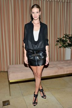 Rosie Huntington-Whiteley in Anthony Vaccarello Mehr Look's des Tages gibt es bei ICON http://www.welt.de/icon/article124496720/Rosie-Huntington-Whiteley-in-Anthony-Vaccarello.html