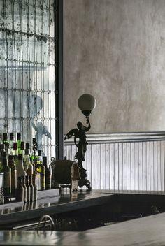Bar design | mirrored wall | Nico Bombay | Organico Design & Studio 823