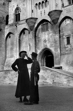 Henri Cartier-Bresson - Vaucluse. Avignon. Palais des Papes.