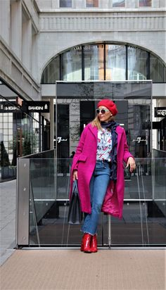 It is said that color has a positive effect on our mood.Put the color in your autumn outfit and let it inspire you....See more on my post!