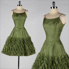 vintage 1950s dress . green chiffon . origami ruffles . 3753