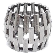 Gosta de uma pulseira diferente e que deixa o visual mais bacana? Aqui na Composè você encontra. http://www.composeacessorios.com.br/braceletebarril #composeacessorios #bracelete #composedesign