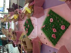 Teddy Bear Picnic kids party theme! Saw this set up in a mall food court after the kids did their Build-A-Bear Workshop party. Such a cute idea!