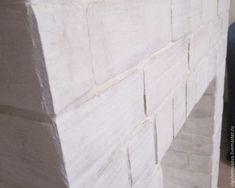 Фальш-камин с имитацией кирпичной кладки