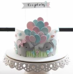 Baby Shower Cake Designs, Baby Shower Cakes Neutral, Elephant Baby Shower Cake, Half Birthday Baby, Twin Birthday Cakes, Baby Reveal Cakes, Baby Gender Reveal Party, Baby Shower Drinks, Baby Shower Balloons