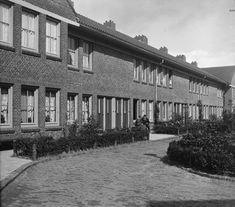 1935 - 1940. A view of De Duindoornstraat in Amsterdam-Noord. Photo Serc. #amsterdam #1940 #Duindoornstraat