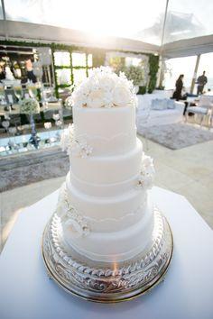 bolo de casamento; bolos de casamento; bolo classico; bolo; bolos; pasta americana; casamento dia; casamento praia