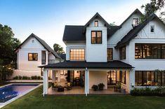 33 rustic farmhouse exterior design ideas in 2019 house дом Modern Farmhouse Exterior, Farmhouse Design, Rustic Farmhouse, Farmhouse Architecture, Building Architecture, Farmhouse Style, Tudor House, Style At Home, Casas Tudor