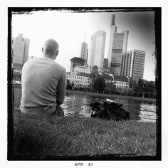 Contemplating Skyline, Frankfurt, Deutschland, 2014