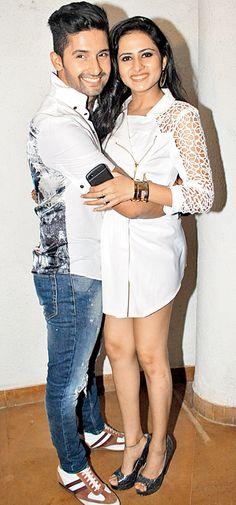 Ravi Dubey and Sargun Mehta at the special screening of TV serial 'Jamai Raja'. Indian Celebrities, Bollywood Celebrities, Bollywood Actress, Hot Couples, Celebrity Couples, Bollywood Stars, Bollywood Fashion, Tv Actors, Actors & Actresses