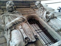 """Angoli suggestivi di Milano. La """"Casa degli Omenoni"""". Leone Leoni con il figlio Pompeo, entrambi grandi collezionisti d'arte, radunò nelle stanze del palazzo una importante collezione di opere tra cui spiccano capolavori di Tiziano, Correggio e i disegni di Leonardo da Vinci. Pt.3 di 3"""