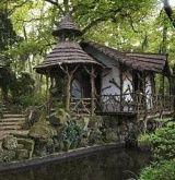 So flippen cute!!! Imagine...it would be like living in a Fairy Tale! :)