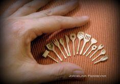Jorgelina Ferryeyra. Kitchen utensils for dolls house