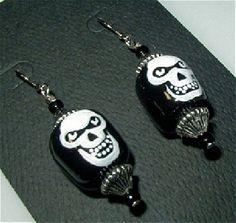 CREEPY SKULLS Gothy Punky Earrings