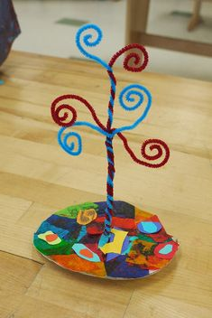 Klimt tree of life sculptures. Use gold glitter pipe cleaners