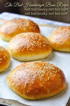 Artisan Bread Recipes, Sandwich Bread Recipes, Yeast Bread Recipes, Soup And Sandwich, Sandwich Buns Recipe, Baking Recipes, Best Burger Buns, Hamburger Bun Recipe, Homemade Hamburger Buns