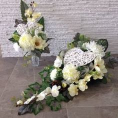 Grave Decorations, Valentine Decorations, Christmas Decorations, Black Flowers, Diy Flowers, Wedding Flowers, Church Flowers, Funeral Flowers, Christmas Arrangements